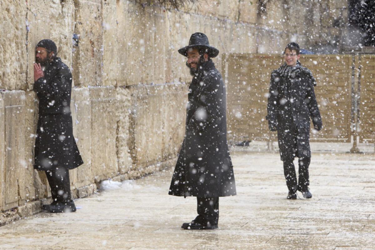 00-02f-jerusalem-snowfall-03-12