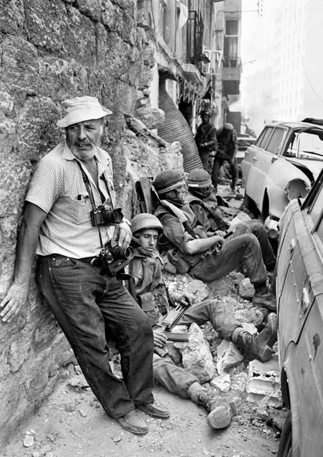 Photographer Rubinger with Israeli forces during the storming of of PLO-held West Beirut.